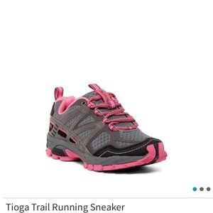 Pacific trail running shoes